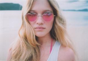 rózsaszín szemüveg.jpg2
